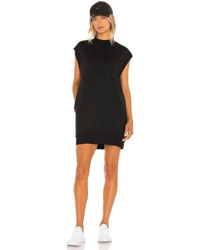Czarna sukienka prążkowana Alala