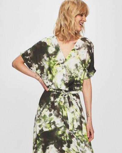 Летнее платье из вискозы расклешенное Medicine
