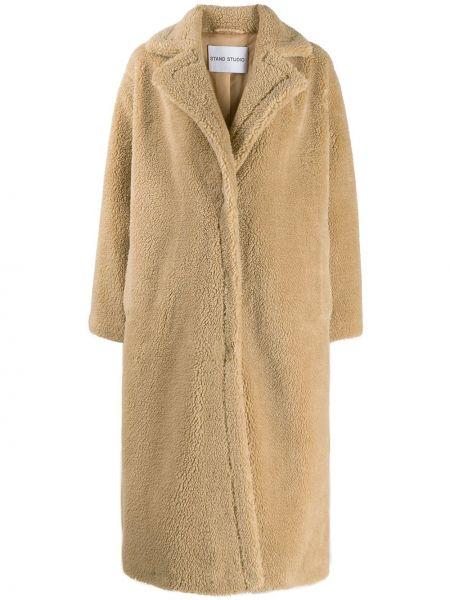 Бежевое длинное пальто из искусственного меха Stand