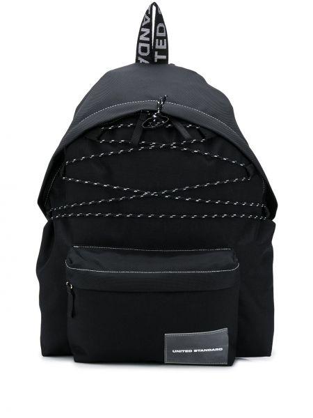 Черный рюкзак на бретелях на молнии United Standard