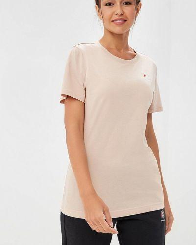 Розовая футболка Reebok Classics