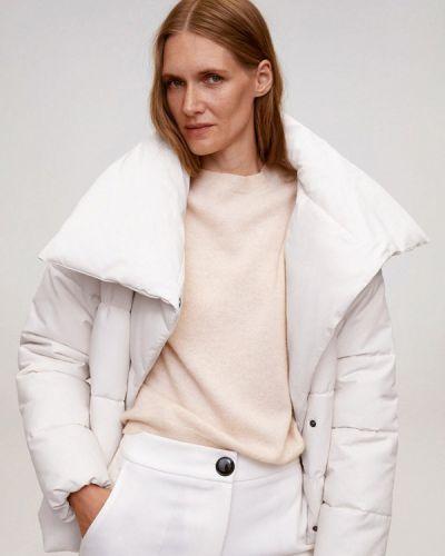 Теплая белая утепленная куртка Mango