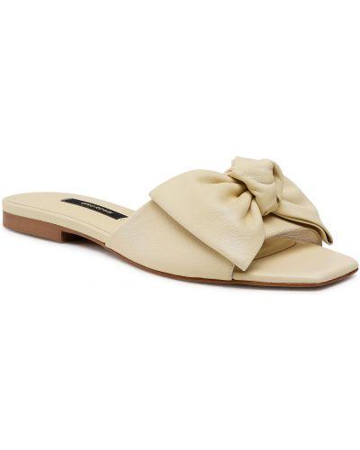 Żółte sandały skorzane na co dzień Gino Rossi