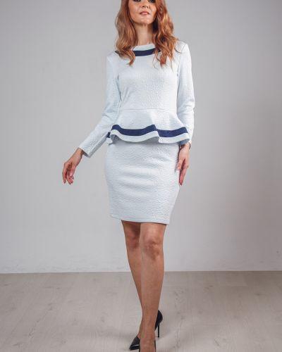 Прямое приталенное платье на торжество с вырезом Lila Classic Style