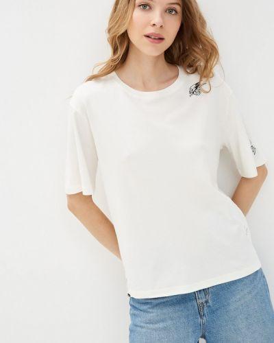 Белая футболка осенняя Superdry