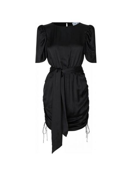 Czarna sukienka Ravn