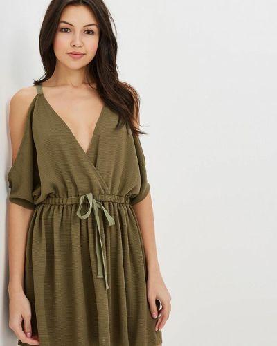 Платье с открытыми плечами весеннее Ruxara