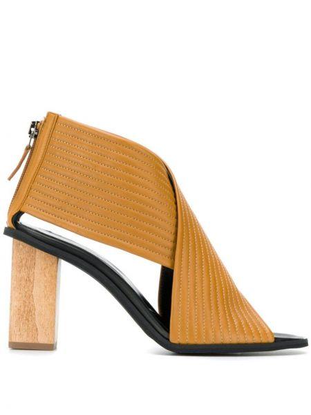 Кожаные коричневые босоножки на каблуке на молнии Christian Wijnants