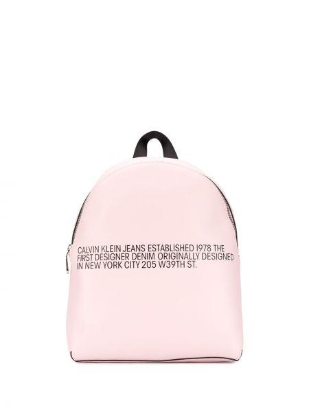 Розовые джинсы с карманами на бретелях Calvin Klein Jeans