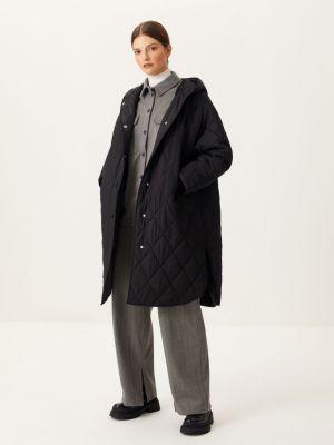 Стеганое пальто - черное Sela