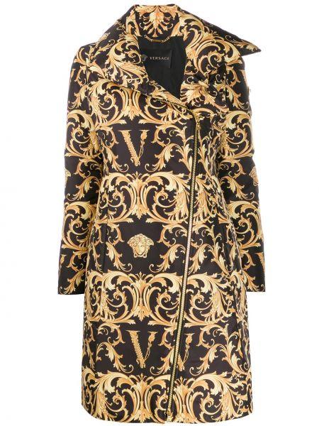 Czarny płaszcz z długimi rękawami z printem Versace