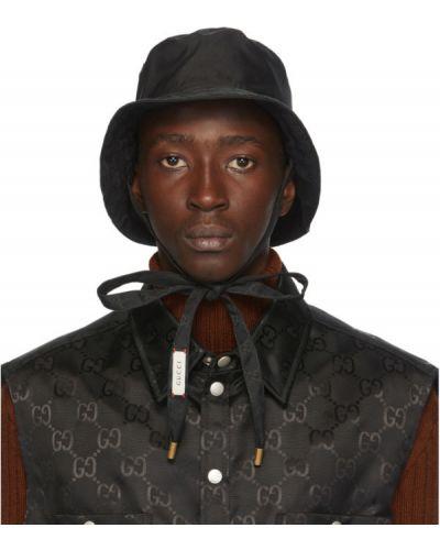 Pikowana ze sznurkiem do ściągania nylon czarny kapelusz Gucci