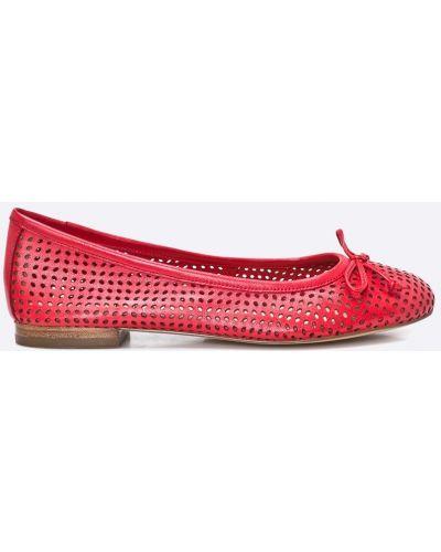Красные брюки кожаные Caprice