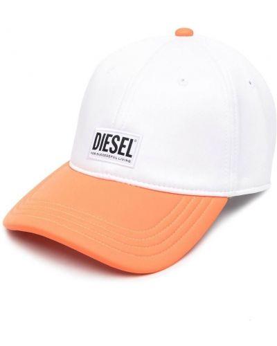 Бейсбольная белая бейсболка с заплатками Diesel