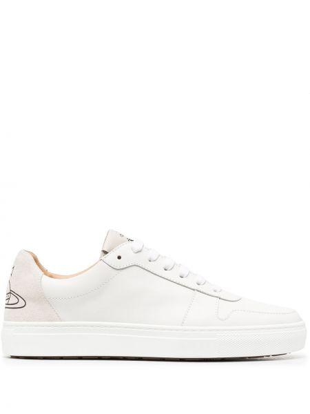 Ażurowy biały sneakersy na sznurowadłach okrągły nos Vivienne Westwood