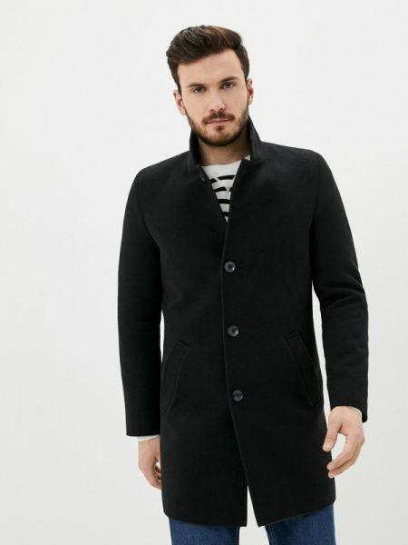 Черное пальто Caravan