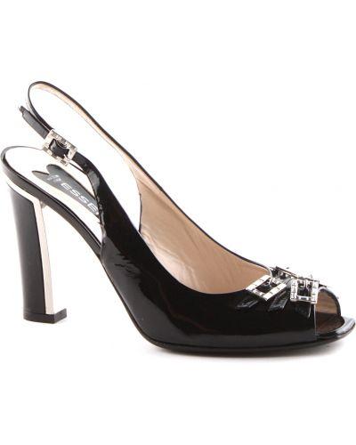 Босоножки на каблуке лаковые Essere