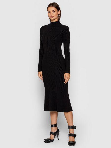 Czarna sukienka dzianinowa Kontatto