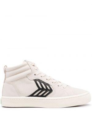 Białe sneakersy koronkowe Cariuma