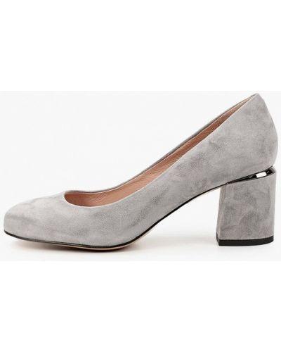 Велюровые серые туфли закрытые Wilmar