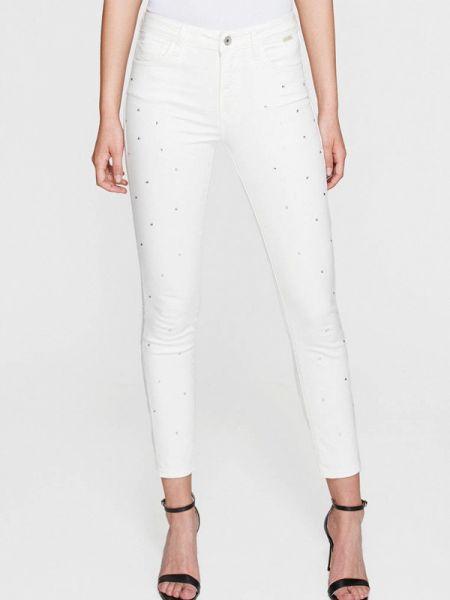 Белые джинсы-скинни с пайетками Mavi