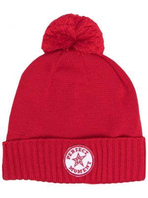 Красная шапка бини с помпоном с отворотом Perfect Moment