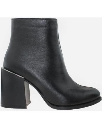 Ботинки - черные Azatti