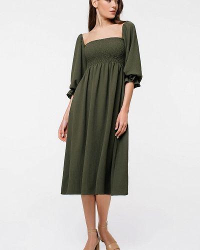 Зеленое платье с открытыми плечами Magnetic