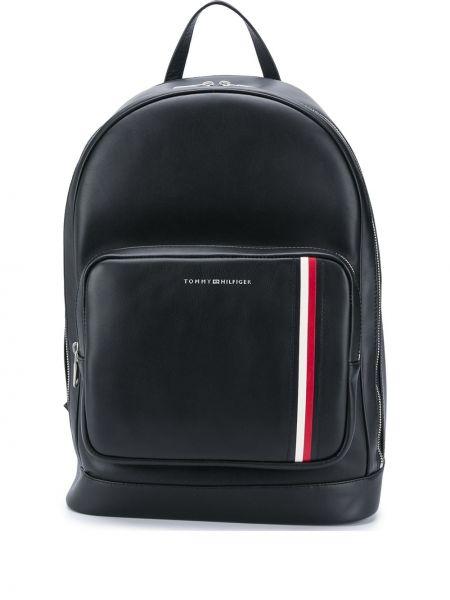 Кожаный черный рюкзак на бретелях с карманами Tommy Hilfiger