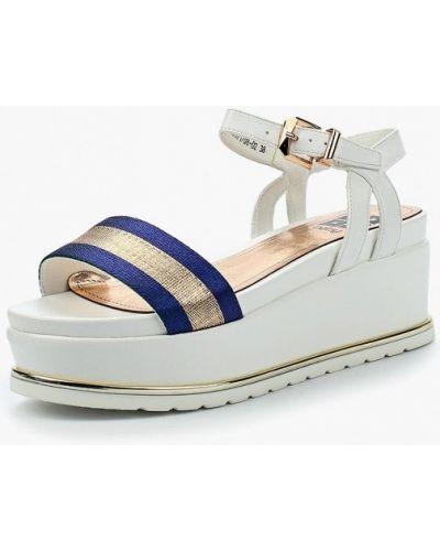 Белые босоножки на каблуке Betsy