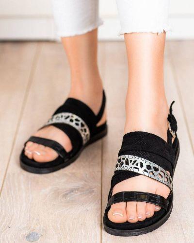 Czarne sandały skorzane na co dzień Evento