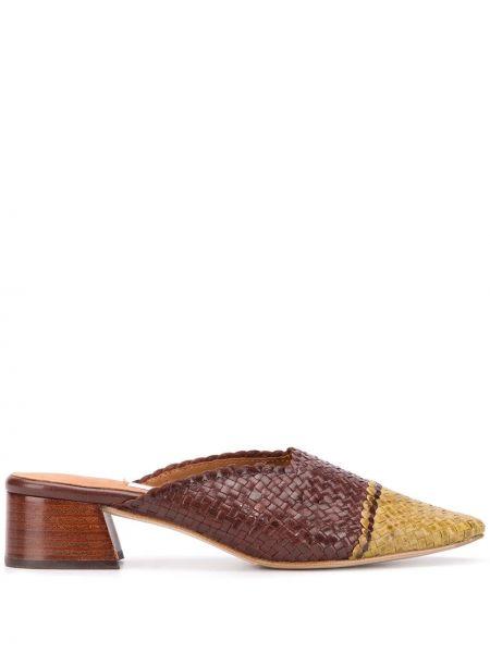 Коричневые мюли на каблуке квадратные без застежки Miista
