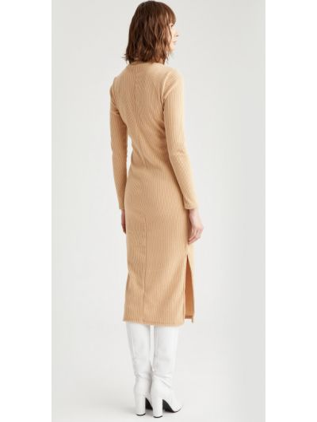 Теплое бежевое трикотажное платье миди Defacto