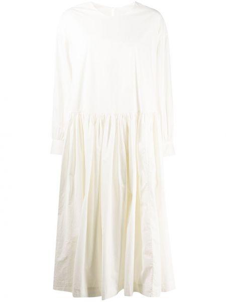 Белое с заниженной талией платье миди с вырезом круглое Casey Casey