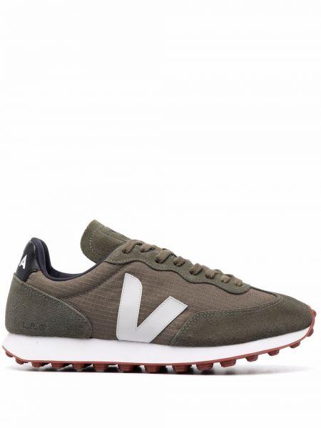 Кожаные кроссовки - зеленые Veja