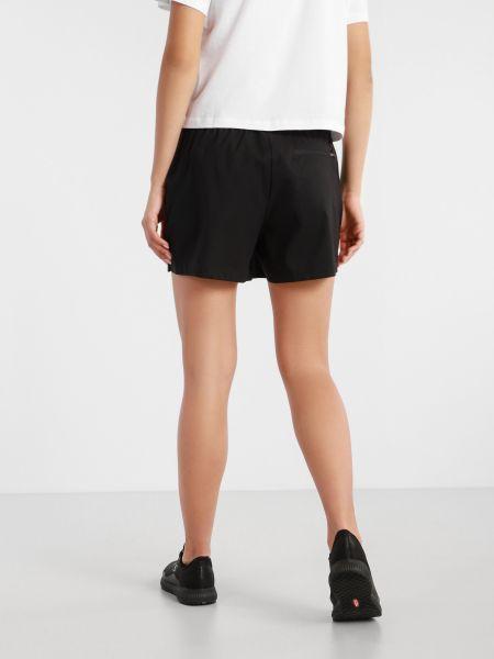 Свободные черные шорты с карманами The North Face
