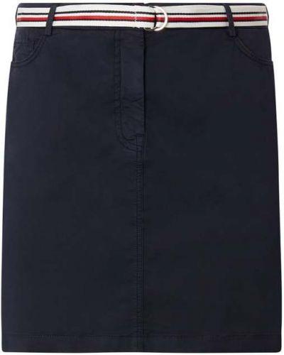 Niebieska spódnica zapinane na guziki z paskiem Tommy Hilfiger Curve