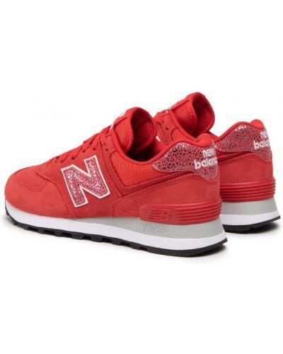 Czerwone sneakersy New Balance