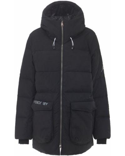 Пуховая черная парка с карманами Nike