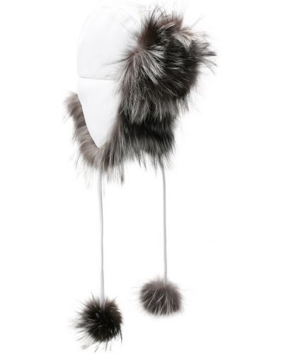 Белая шапка из лисы Fendi