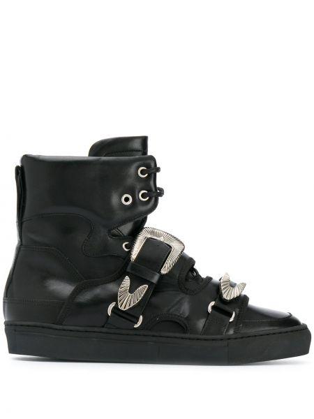 С ремешком кожаные черные ботинки на шнуровке Toga Virilis