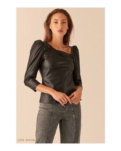 Приталенная с рукавами черная блузка Love Republic
