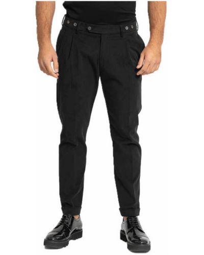 Czarne spodnie Berwich