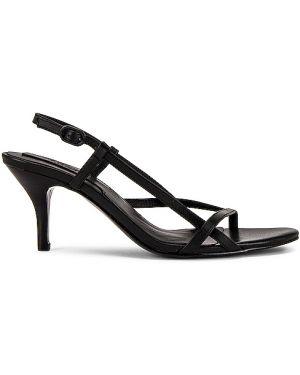 Czarne sandały skorzane klamry Jaggar
