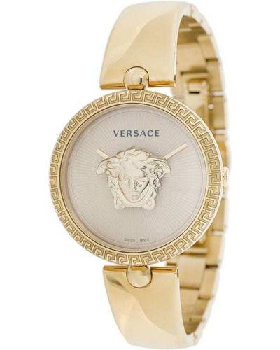 Часы на металлическом браслете серые Versace