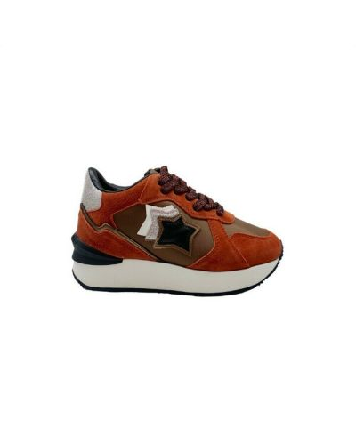 Pomarańczowe sneakersy Atlantic Stars