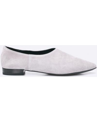Серые туфли Gino Rossi