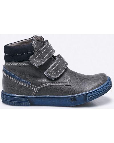 Серые туфли кожаные Kornecki