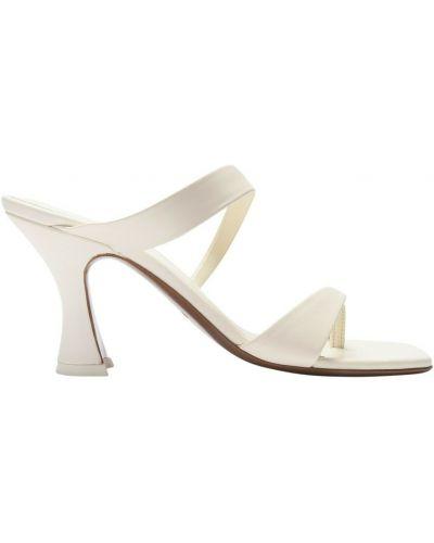 Białe sandały skórzane Neous
