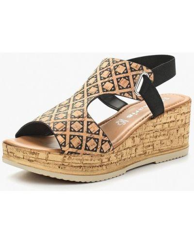 Бежевые босоножки на каблуке Tamaris